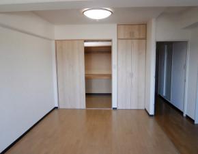 655和室を洋室にリフォーム!LDKが広くつかえます!押入れもウォークインクローゼットに♪